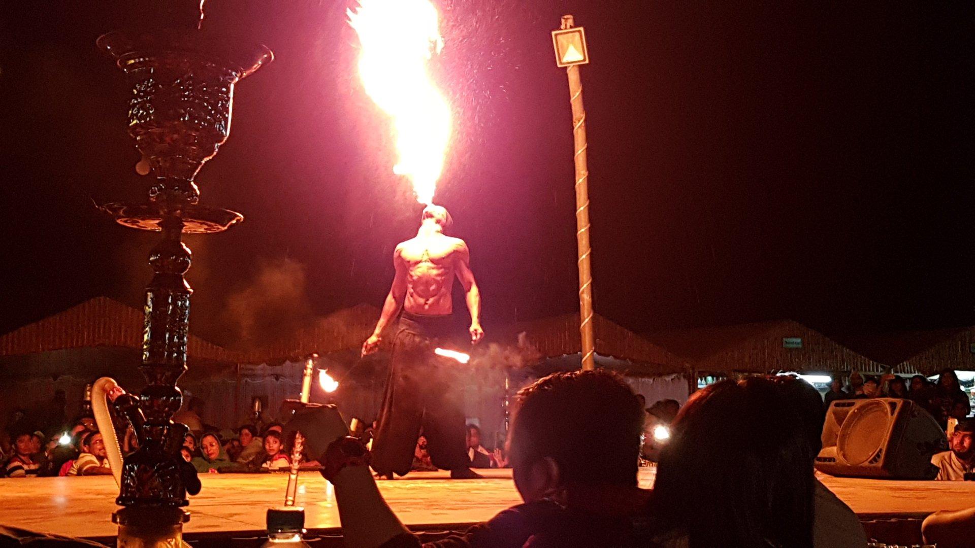 book-dubai-deset-safari-with-belly-dance-show-best-offers-in-dubai